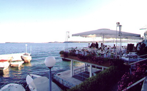 Terrasse des Restaurants am Gardasee